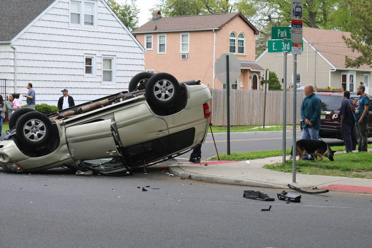 Afternoon Accident In Roselle Leaves One Suv On Roof And One Suv