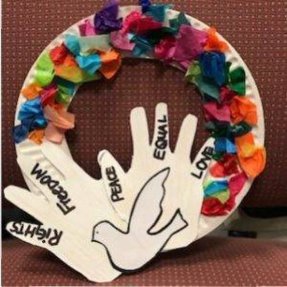 587c530be8aea4735526_36dc9e9025e5f83a542e_Martin-Luther-King-Day-Peace-Wreath-Craft-e1515617303586-300x300.jpg
