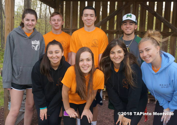 59471472771f95fa577a_a_R.E.A.C.H._volunteers__2018_TAPinto_Montville.JPG