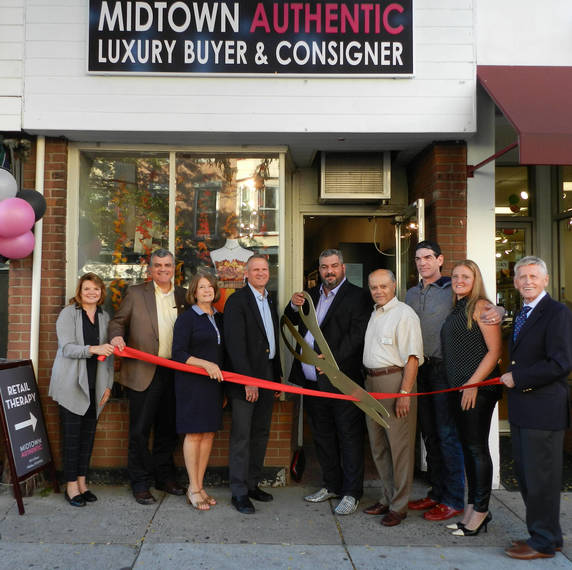 5ebc59a76f52b712cbde_1a2d00fd3e0c642c381c_Midtown_Authentic_Grand_Opening.jpg