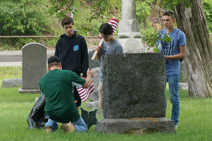 5fea6e551ac054b12675_a_Memorial_Day_cemetery_project_8.JPG