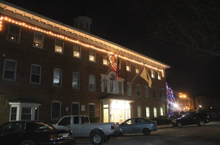 61b1308734fb9d7bc3c6_Town_Hall_Jan_2_2018_night.JPG