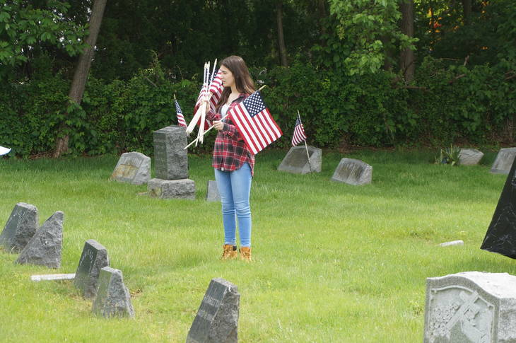 634f5b0ba07e33fa0141_a_Memorial_Day_cemetery_project_4.JPG