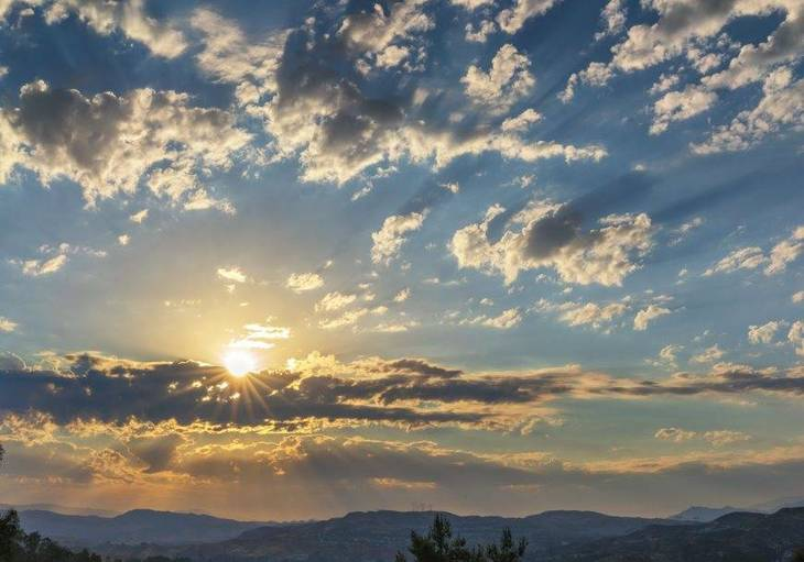 64356d86d0fe2bc57d1f_Sunrise_by_Jeff_Turner.jpg