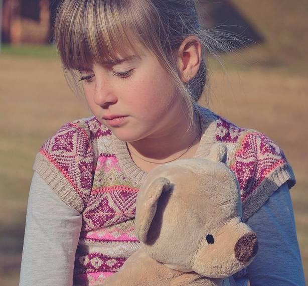 6451218f5bbad5b604d5_sad_girl_with_teddy_bear-746661_1920_-_Edited.jpg