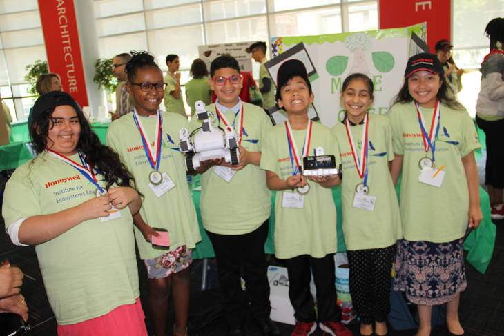 Students Present Robots, Gardens and Other Sustainability Projects at Education Forum