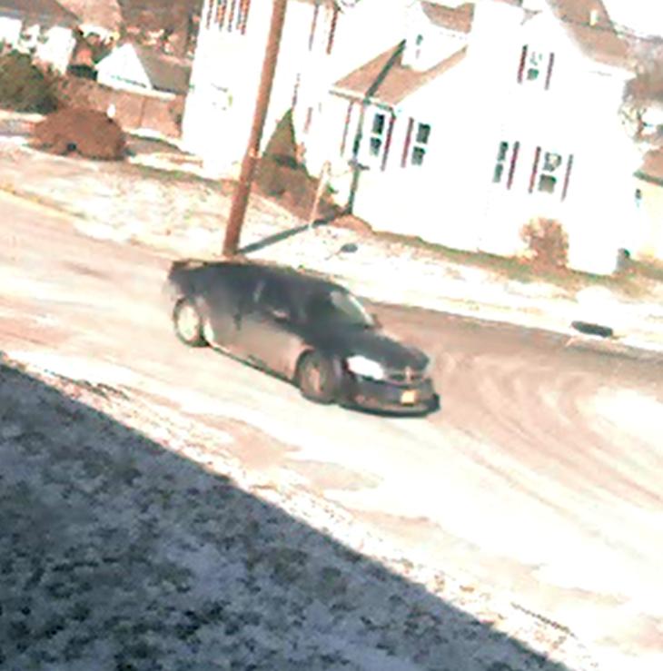6698858d82ace271eeb6_suspect_vehicle_amboy_ave_2.jpg