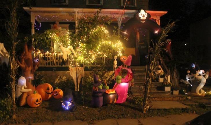 66d13f73bc941aba9e4c_Halloween_Bloomfield_Oct_2017_Spruce_Street.JPG