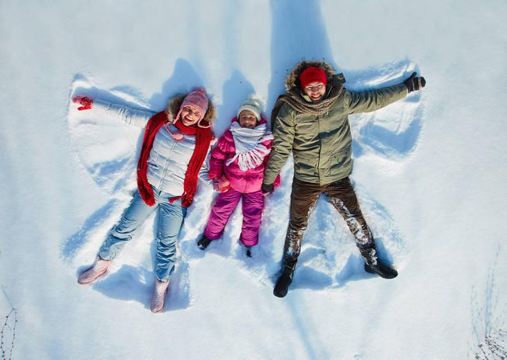 6717c8d6ca7a62eb064f_Family-SnowAngels-lr.jpg