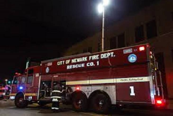 Firefighters respond to Newark fire spread across 5 buildings