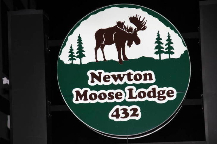 6ae231321f320a014af9_00a096602201d641a803_moose_lodge.JPG