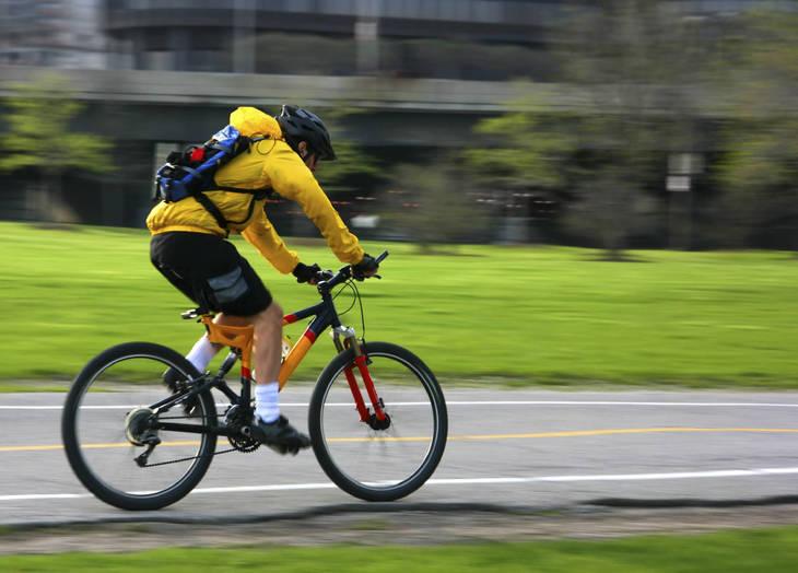 6b03a265492010d1aed7_BikeCommuter.jpg