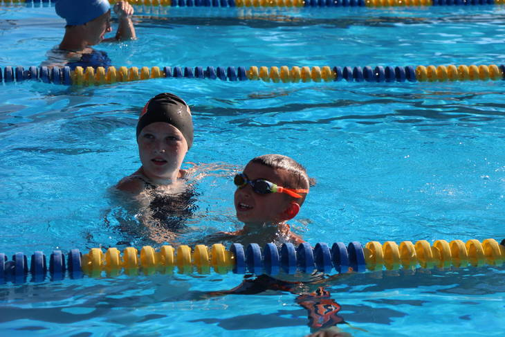 6c088452ce3d80172827_EDIT_young_swimmer_with_catcher.jpg