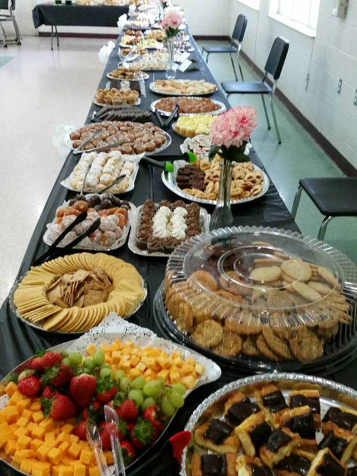 6cb340fc5fcbec71e1e3_Dessert_Table.jpeg