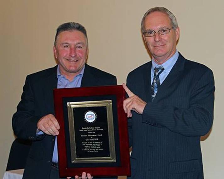 6dff899d7291beea42dc_ray_schnitker_award.JPG