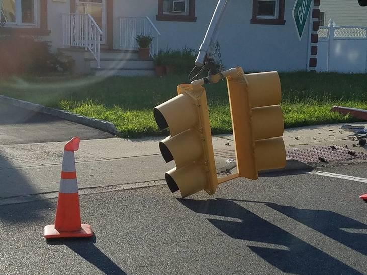 Mva knocks out hamilton boulevard traffic signal south for Motor vehicle plainfield nj