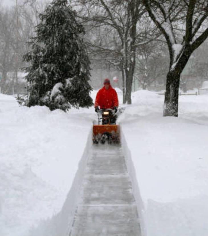 72c503bd0a09910e7c49_snow-removal.jpg
