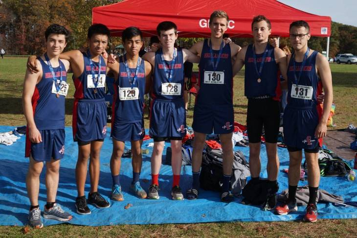 72f961dcfc4cc508643c_Cross_Country_-_Sectionals_-_Nov_4_2017_-_Boys_5th_Place_Team_DSC01247.jpg