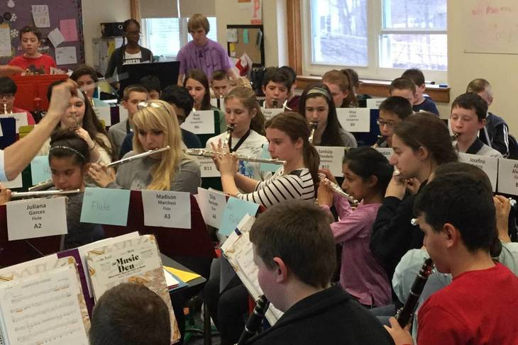78849cf35a935ee834d4_666fa7906de5e1be4496_6th_Grade_Combined_Rehearsal_with_RHS_7.jpg