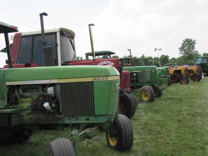 79b6c05480a81cd5cfc5_Multi_Tractors_2015.JPG