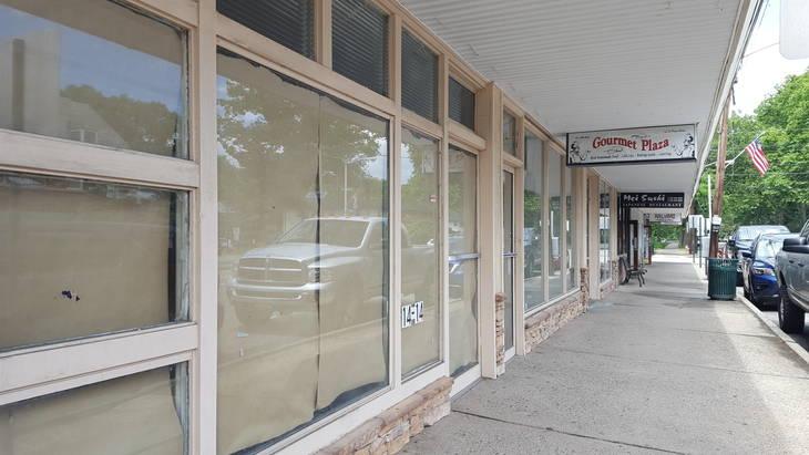 7c9c5419f647fab5cdbc_Deals_closed_store.jpg