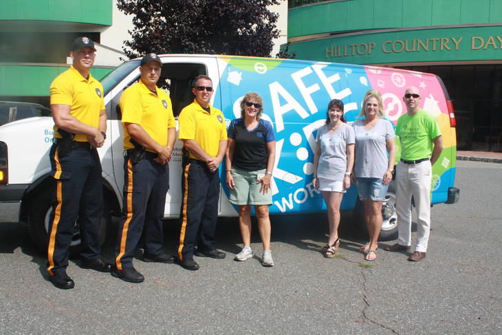 sparta police hold child safety seat inspection sparta nj news tapinto. Black Bedroom Furniture Sets. Home Design Ideas