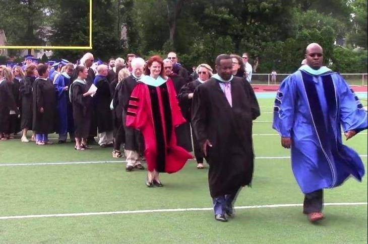 7e4193e49b29865d0844_a8e27898755b77e85da0_WHS_graduation.jpg