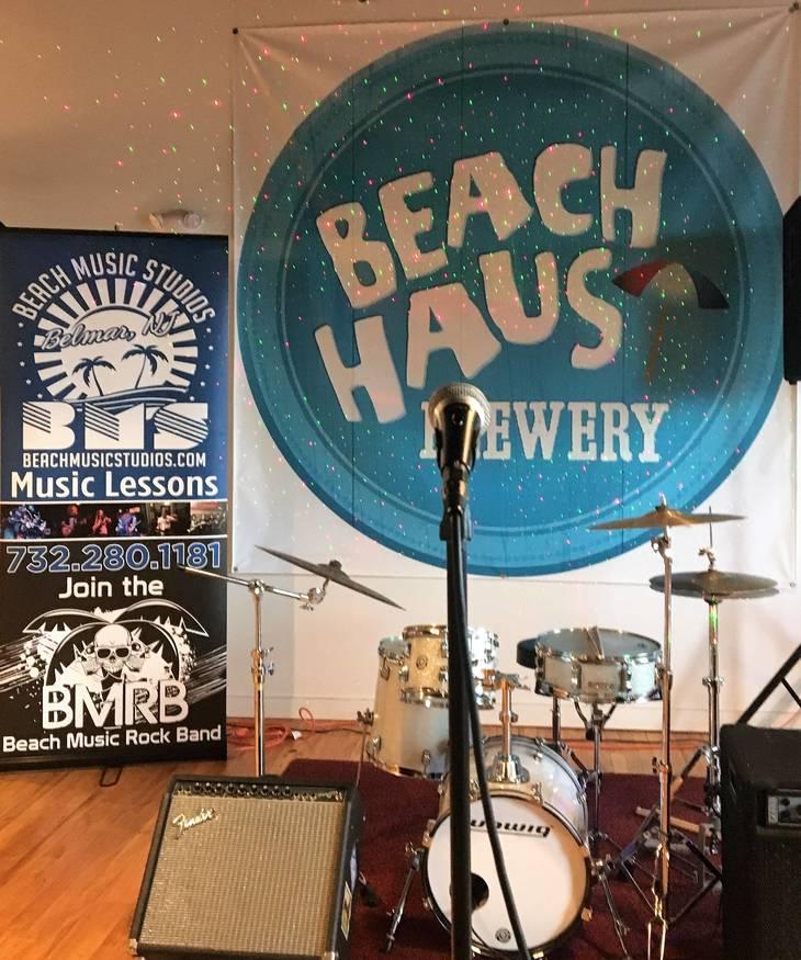 7e6f9c0499370bdbac17_beachmusicbeachhaus.jpg