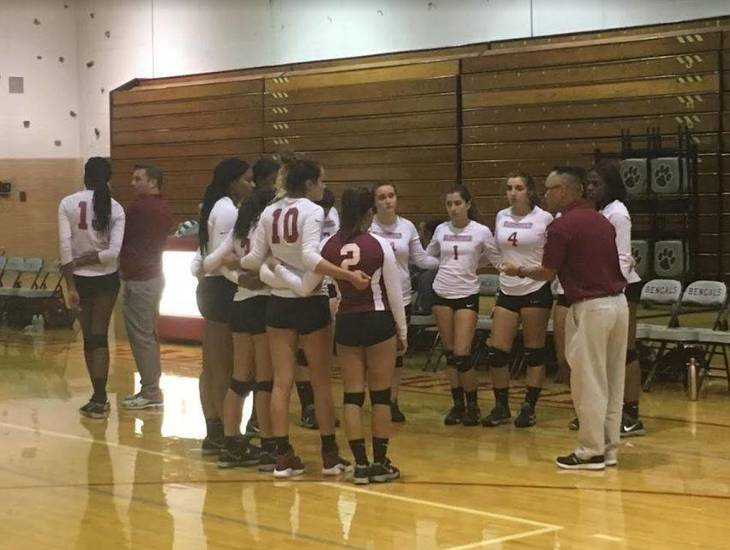 7ecf31e0e900bb67ff82_Volleyball_Bloomfield_September_13_2017_a.JPG