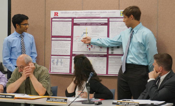84a7d4ce111889ae7110_a_Science_researchers_Parth_Agrawal_and_Andrew_Aarons_present_their_findings.JPG