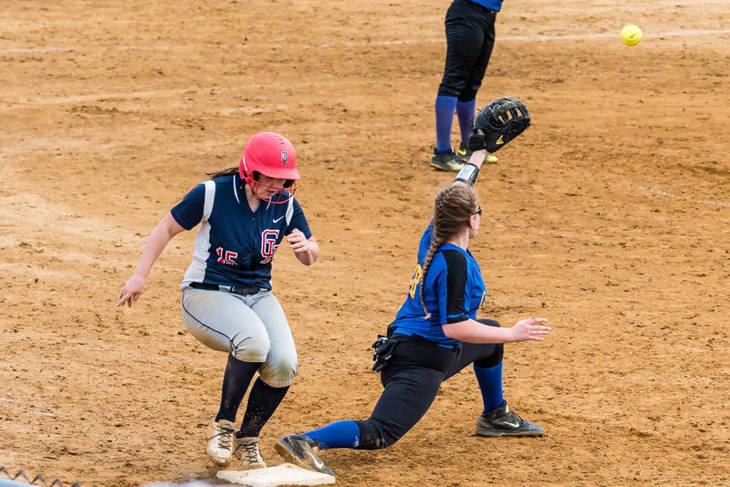 852f060c7fc2bca9b1a2_Katie_Debbie_legs_out_her_third_hit_of_the_game_-_vs_Cranford_05.07.2017__623_of_745_.jpg
