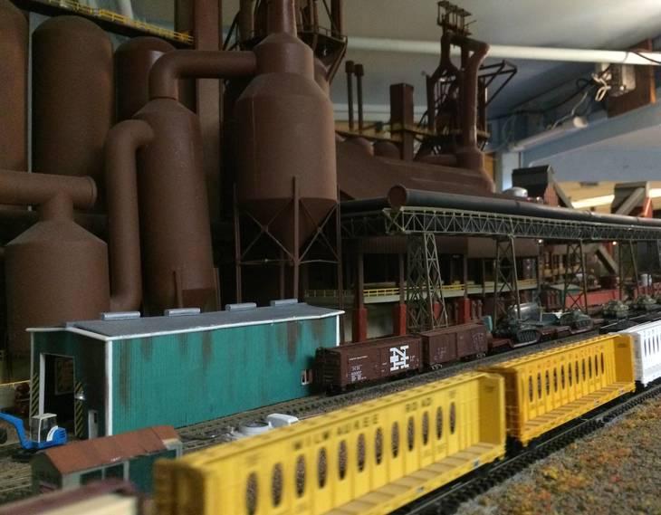 856bfc35eb09fae540e7_Model_RR_steel_mills.jpg