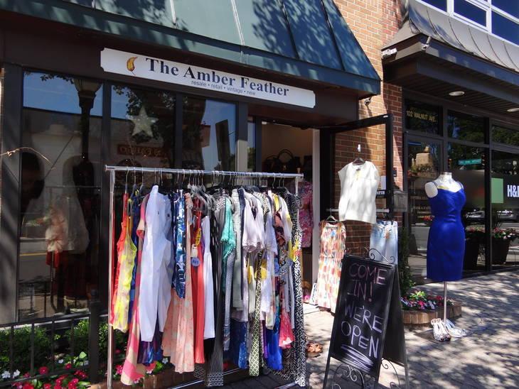 87cdfb4f97c68bc02296_Amber_Feather_sidewalk_sale.JPG