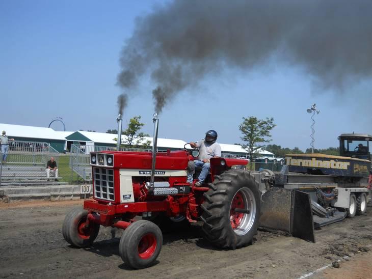8918c93ac14c523a4460_red_IH_smoke_2013.JPG