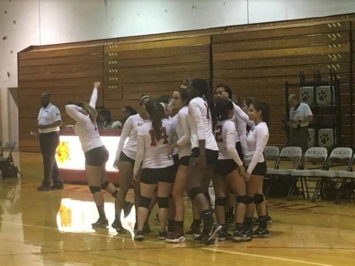 8c0f8dd2704de8b544fb_Volleyball_Bloomfield_September_13_2017_b.JPG