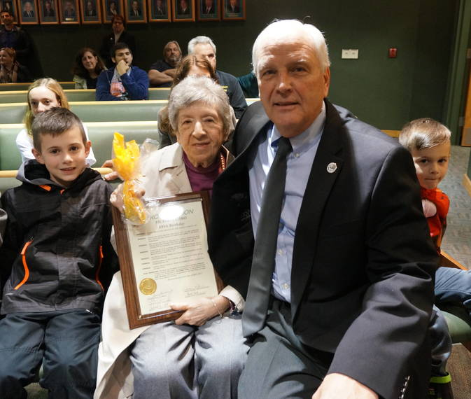 8c48230b885cc8da3be5_a_Victoria_Como_with_Committee_Member_Richard_Conklin_and_Como_s_great-grandsons.JPG