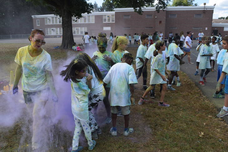 8c529bf51cd245b33f6b_BH_color_run_1.jpg