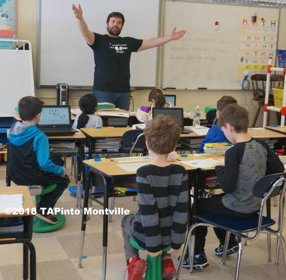 8e817628a414256e69fc_a_Alfonso_Giansanti_of_People_s_Improv_working_with_3rd_graders__2018_TAPinto_Montville____1..JPG