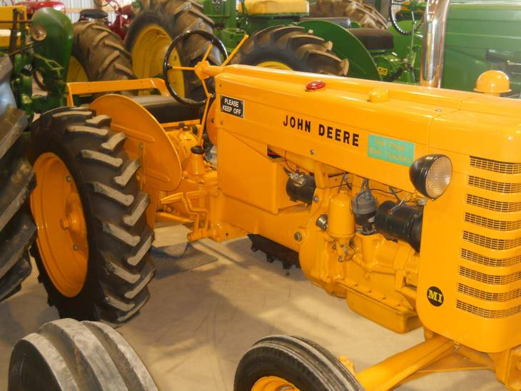 90de6de3acd7101da783_2013_Fair_tractor_yellow.JPG