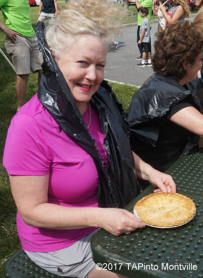 9120438b46c8927d8f36_a_Judy_Rosen_puts_on_her_game_face_before_the_pie-eating_contest.JPG