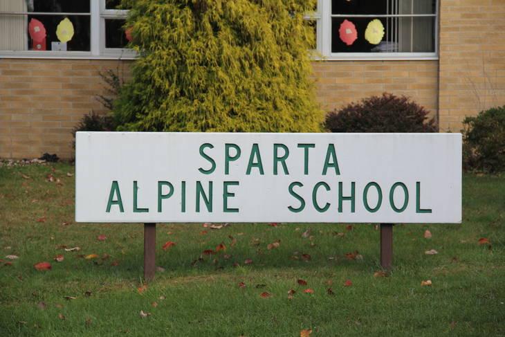 91b2f35fb6fddb103bff_Alpine_Sign.JPG