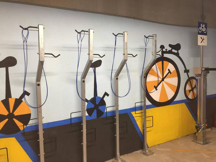 927d47006c43104acd28_Bloomfield_Bike_Depot_Mural_3.jpg
