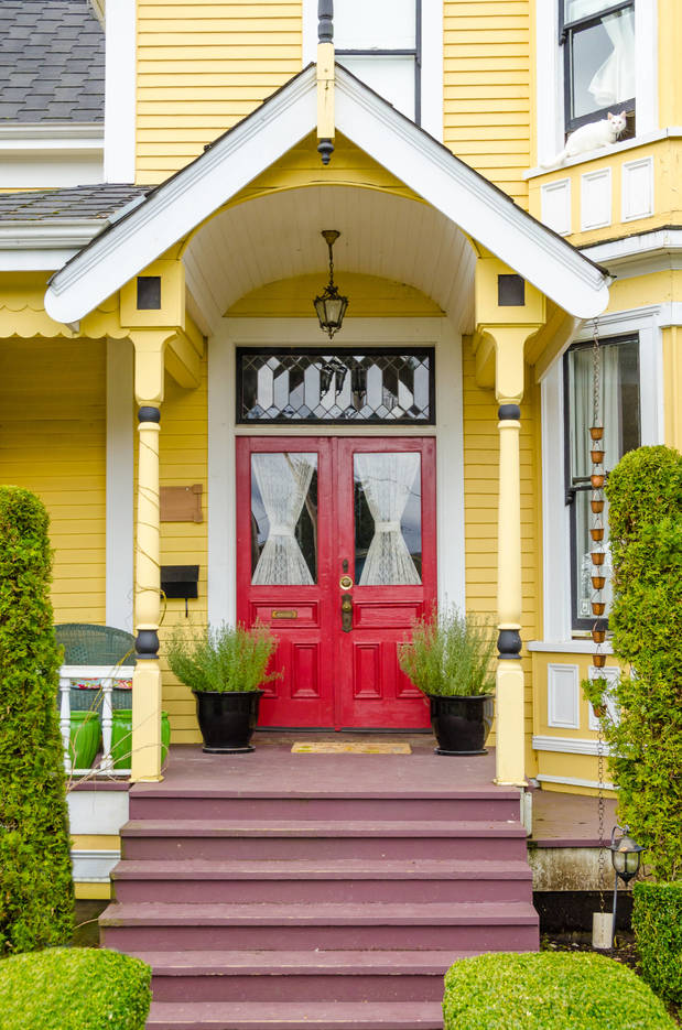 9457b440b9422f7df6a0_home_with_red_door_.jpg