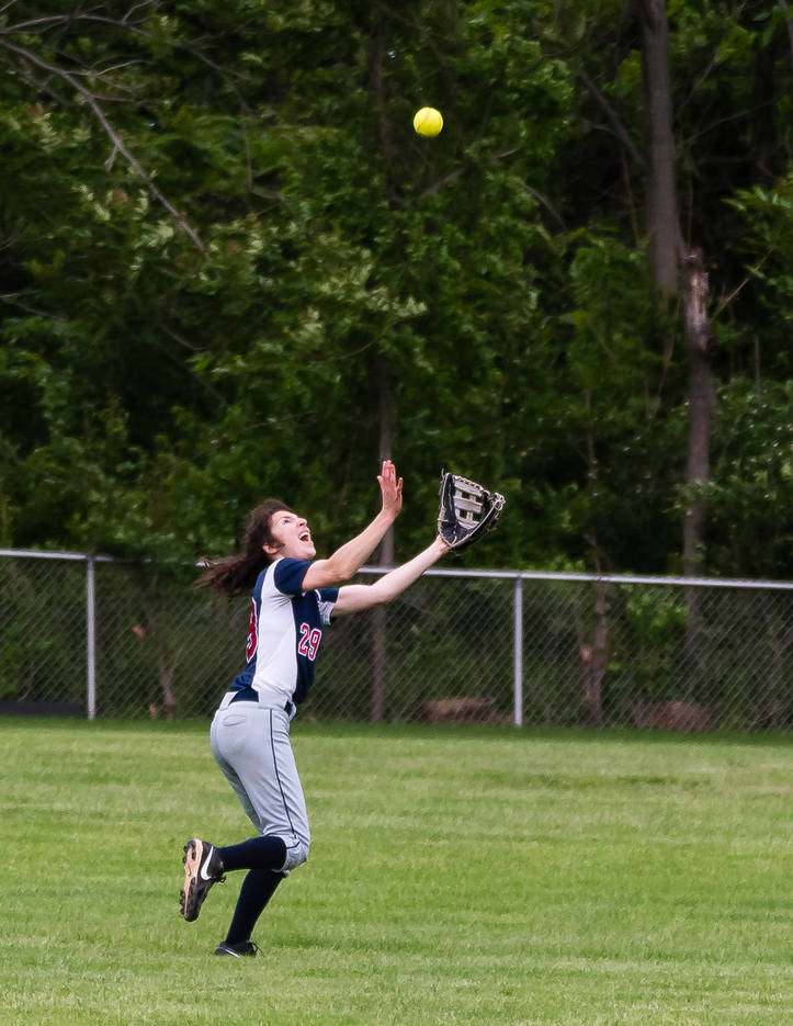95197b5f8cef2b5ebccf_Jamie_Belfer_turns_a_long_fly_ball_into_a_double_play_in_the_7th_inning_to_keep_the_score_2-1_05.2017__436_of_525_.jpg