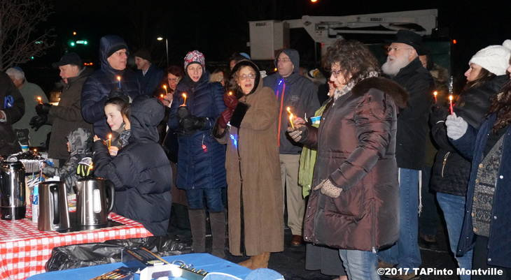 95fce0185e5d9235ea75_a_Singing_Maoz_Tzur_by_Candlelight_for_Hanukkah__2017_TAPinto_Montville.JPG