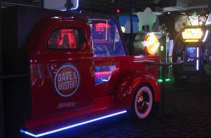 9763de0ec355111474f5_Dave_and_Busters_Midway_a.JPG