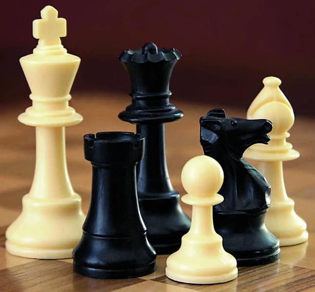 97a345e9cf0bf08fd899_best_3a49714ed280955a1c29_ChessSet.jpg