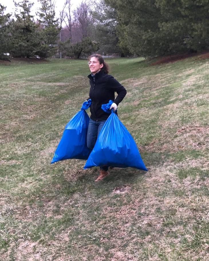 9a9ba400909fd47dd16c_April_7_2018_-_Kim_Diamond_Removing_Full_Bags_of_Trash_from_the_Woods.jpg