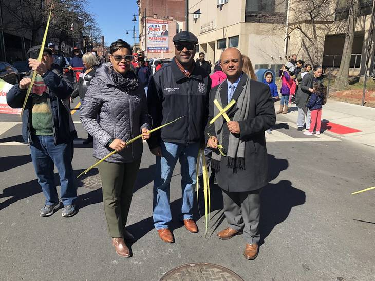 Politics took a break as no less than four mayoral candidates joined the march on Saturday. Credits Steve Lenox