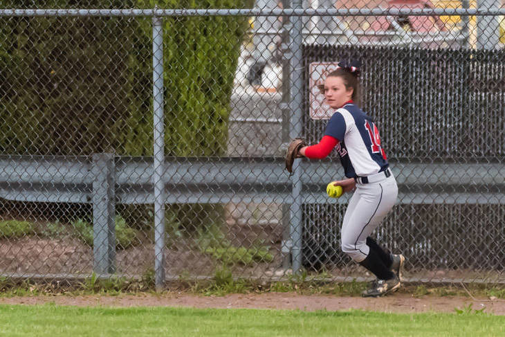a333fb6332de7109cfef_Maddie_Philips_fields_a_hit_-_UC_tourney_championship_game_2017__323_of_659_.jpg
